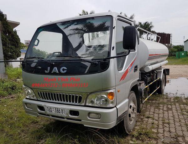 xe phun nước rửa đường 7 khối jac