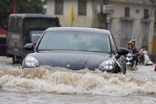 những việc cần làm khi ô tô bị ngập nước